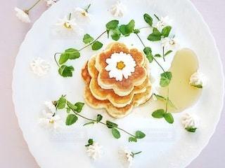 花型のホットケーキの写真・画像素材[3175837]