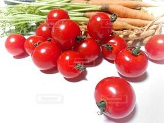 食べ物,トマト,野菜,ミニトマト,食品,収穫,プチトマト,食材,夏野菜,キャロット,フレッシュ,生野菜,ベジタブル,栄養,ニンジン,とりたて,とりたて野菜,柿ニンジン