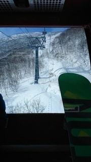 アウトドア,スポーツ,雪,窓,景色,人物,スノボ,ゲレンデ,レジャー,ゴンドラ,スノーボード