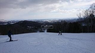 自然,アウトドア,空,冬,スポーツ,雪,屋外,山,人物,スキー,ゲレンデ,レジャー,スキー場,スノーボード,斜面,日中