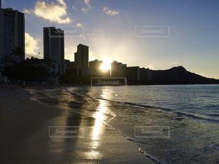 ハワイの朝日の写真・画像素材[2623008]