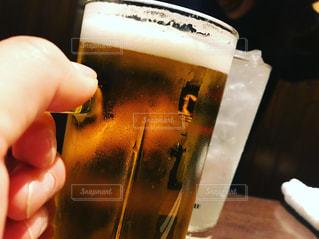 食事,夫婦,グラス,ビール,乾杯,ドリンク,ジョッキ,生ビール,レモンサワー,30代女性,フォトコンテスト,30代男性,乾杯フォト,30代夫婦