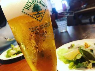 散歩,都会,旅,グラス,サラダ,ビール,乾杯,さんぽ,ドリンク,アルコール,生ビール,beer,ぶらり旅,ハートランド,小旅行,HEARTLAND,旅行記,フォトコンテスト,乾杯フォト