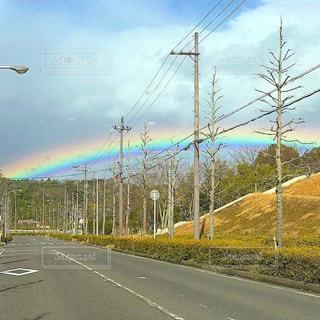 今まで見た中で一番綺麗な虹の写真・画像素材[2582891]