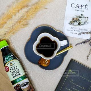 食べ物,コーヒー,屋内,ボトル,コーヒータイム,ドリンク,ホットコーヒー,携帯電話,テキスト,BOSS,ソフトド リンク,おうち時間,ステイホーム,ボスカフェ,おうみカフェ