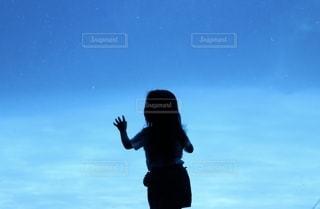 空を飛ぶ人の写真・画像素材[2515311]