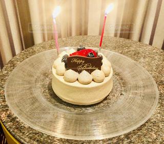 ケーキ,カップル,イベント,グラス,誕生日,記念日,乾杯,ドリンク,サプライズ,行事