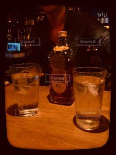 グラス,乾杯,バー,ドリンク,アルコール,ウィスキー