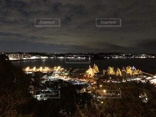 夜の街の眺めの写真・画像素材[2716962]