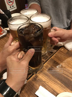 仲良し,グラス,ビール,コーラ,乾杯,夕食,飲み会,ドリンク,友達,打ち上げ