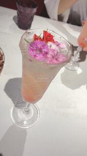 花,オシャレ,グラス,レストラン,乾杯,ドリンク,お洒落,バル,スパークリング,フォトジェニック,インスタ映え