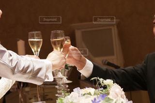 花,結婚式,グラス,乾杯,ドリンク,シャンパン,新郎新婦,ジンジャエール,乾杯の挨拶