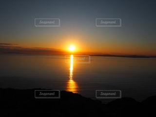 自然,海,空,屋外,太陽,夕暮れ,水面,オレンジ,光,地平線,日の出,千葉県