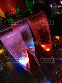 グラス,誕生日,お祝い,乾杯,ドリンク,シャンパン,パーティー,クラブ