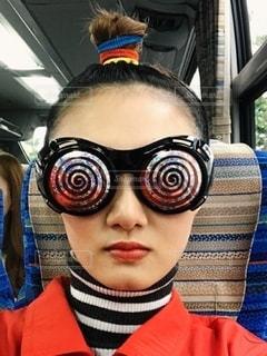 女性,ファッション,アクセサリー,車内,女の子,眼鏡,人物,人,仮装,メガネ