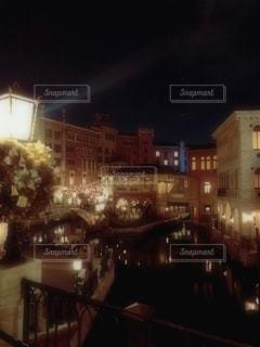 夜の街並みの写真・画像素材[2784035]