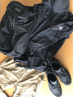 ファッション,靴,黒,トレッキング,登山,人物,服,コーディネート,コーデ,リュック,パンツ,ブラック,黒コーデ