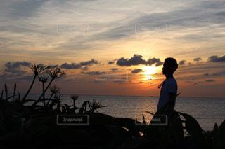 男性,自然,風景,空,屋外,太陽,ビーチ,雲,夕暮れ,海岸,光,人,角島,山口県,草木