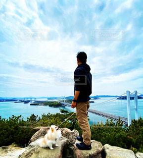 犬と男の写真・画像素材[3250461]