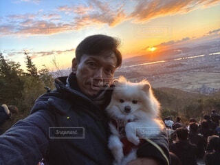 犬,空,動物,屋外,朝日,晴れ,男,人,正月,お正月,日の出,新年,初日の出,岡山県,ツーショット,東区,芥子山,備前富士