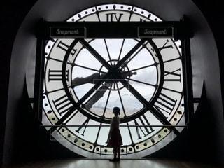 オルセー美術館の大きな時計の写真・画像素材[2543136]