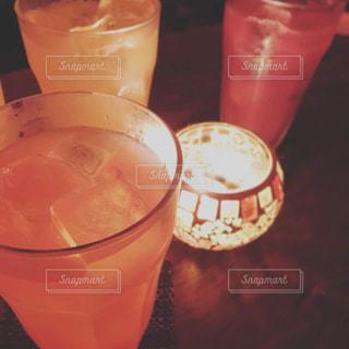 お酒,カラフル,キャンドル,グラス,カクテル,乾杯,飲み会,ドリンク,女子会,暖色