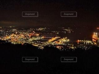 夜の街の眺めの写真・画像素材[2723720]