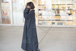 女性,恋人,ファッション,風景,黒,コート,ドレス,黒髪,人物,人,ボブ,コーディネート,コーデ,ロングコート,ジャケット,彼女,ブラック,オールブラック,黒コーデ,ブラックコーデ