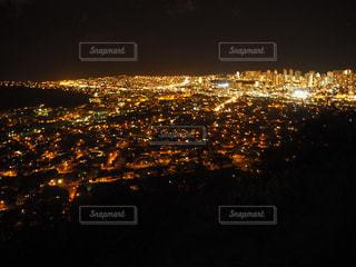夜の街の眺めの写真・画像素材[2724249]