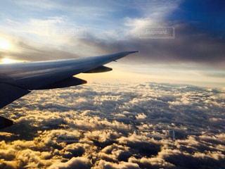 空,太陽,雲,飛行機,光,旅行,日の出,航空機,くもり,旅客機,航空,高い,クラウド,トリップ,太陽フォト
