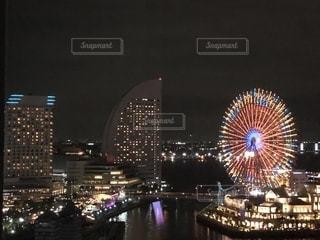 夜の街の眺めの写真・画像素材[2746154]