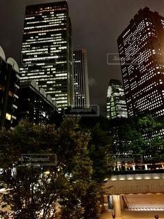 夜の街の眺めの写真・画像素材[2722029]