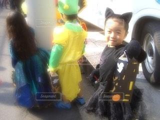 ハロウィンの黒猫の写真・画像素材[2590621]