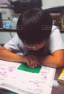 勉強する子の写真・画像素材[2630921]