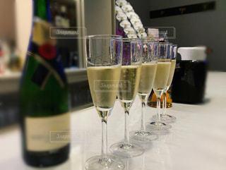 グラス,お祝い,記念日,乾杯,ドリンク,シャンパン,パーティー,スパークリングワイン,宴,開店,祝,開店祝い,周年