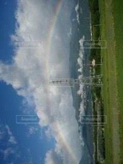 天秤の虹の写真・画像素材[2546303]