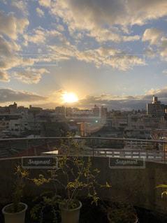 空,建物,屋外,太陽,光,いつもの風景