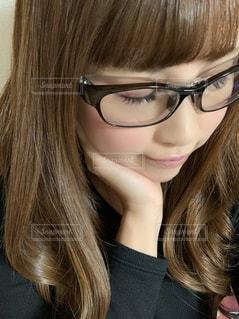 眼鏡をかけた女性の写真・画像素材[2796039]