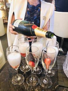 飲み物,人物,イベント,ワイン,グラス,乾杯,ドリンク,シャンパン,パーティー,アルコール,手元,ナイトクラブ,水商売
