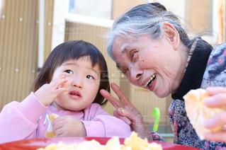 おばあちゃんの誕生日の写真・画像素材[2829087]
