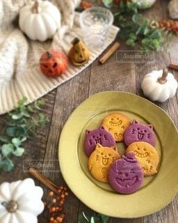 カボチャと紫芋のクッキーの写真・画像素材[3828295]