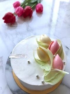 ホワイトデー用ホールケーキの写真・画像素材[4248116]