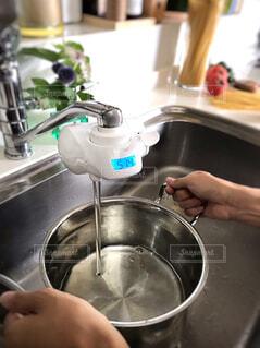 トレビーノの水でパスタを作るの写真・画像素材[4626801]