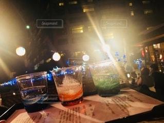 お酒,沖縄,グラス,乾杯,ドリンク,泡盛,沖縄で乾杯,夜の乾杯,お酒で乾杯