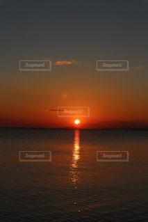 自然,風景,海,空,太陽,水面,海岸,水平線,光,初日の出