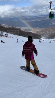 女性,自然,アウトドア,スポーツ,雪,虹,人物,ゲレンデ,レジャー,スノーボード,斜面