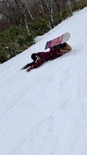 女性,自然,アウトドア,スポーツ,雪,屋外,人物,ゲレンデ,レジャー,スノーボード,転倒,斜面,転ける