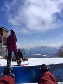 アウトドア,冬,スポーツ,雪,山,人物,スノボ,ゲレンデ,レジャー,スノーボード,斜面