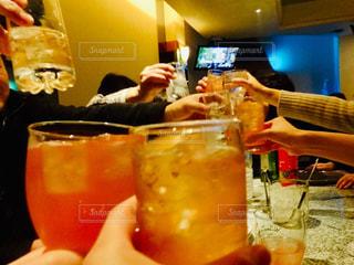 スポーツ,グラス,乾杯,ドリンク,仲間,新年会,カラオケ,二次会