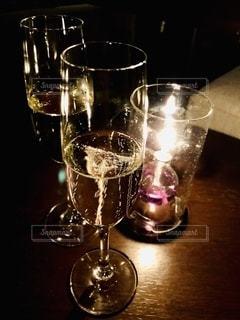 夜,ディナー,クリスマス,食器,ワイン,グラス,カクテル,記念日,乾杯,ドリンク,シャンパン,デート,スパークリング,インスタ映え